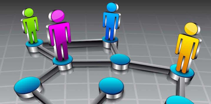 social-network_110002839-012814-int